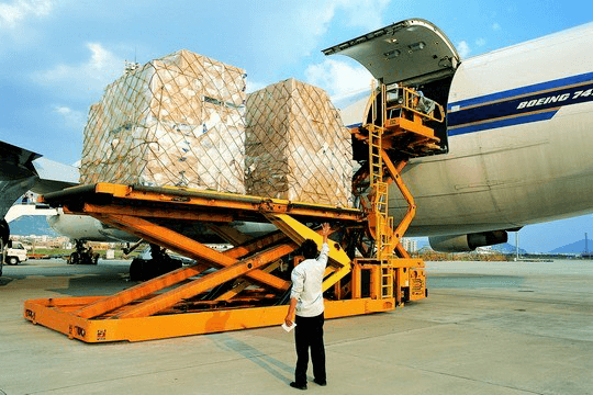 air freight loading